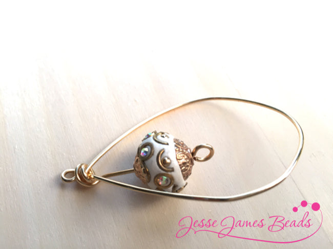 How to use a jig to make jewelry from Jesse James Beads9