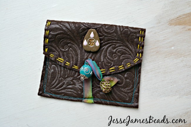 DIY Bead pouch with Jesse James Beads
