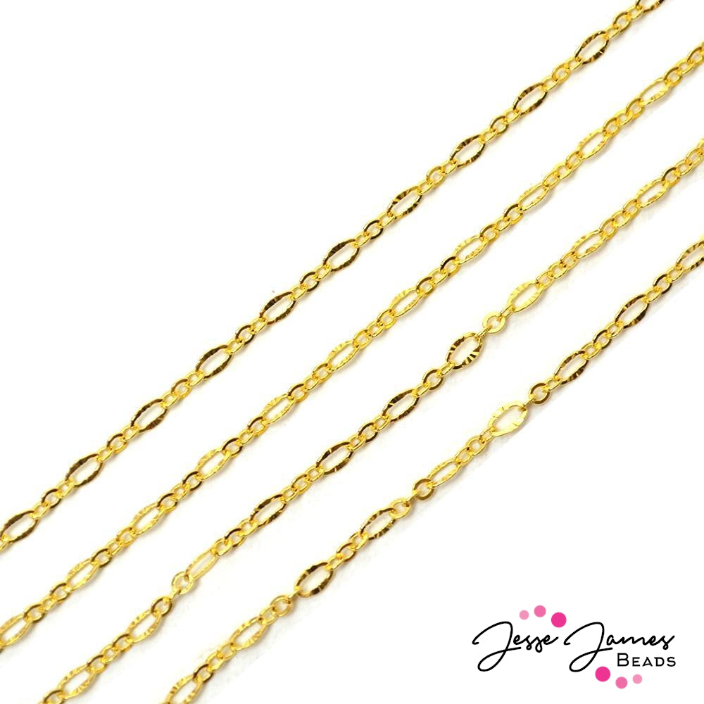 Bitty Oval Figaro Chain in Gold