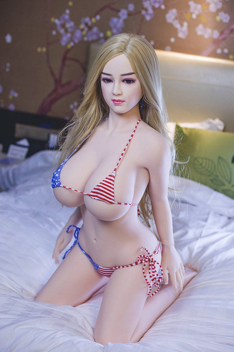 APRIL: 4ft 7in (140cm) Big Breast Sex Doll