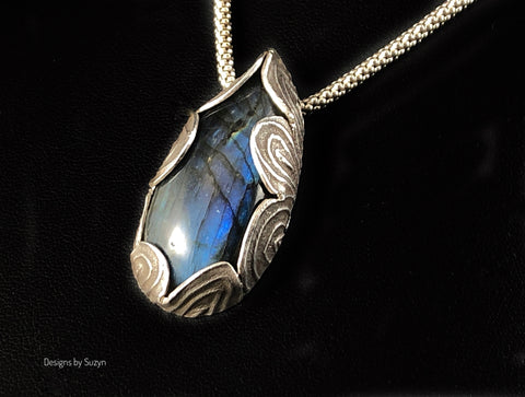 Flashy blue labradorite nestled in silver OOAK necklace with sterling popcorn chain