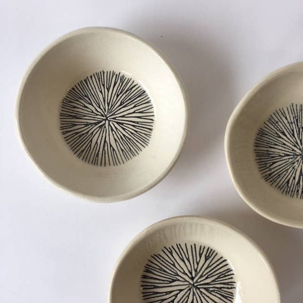 Ceramic bowl with star pattern