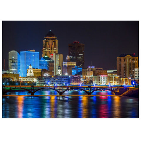 Des Moines Skyline Greeting Cards