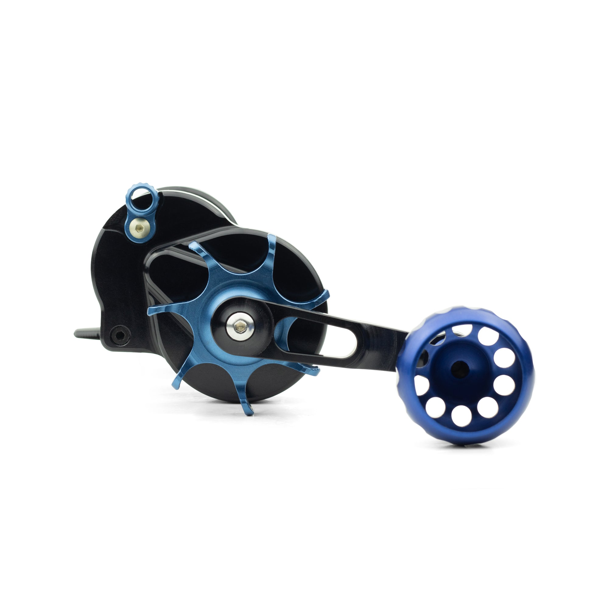 Seigler's star mag fishing reel for surf casting with blue accents.
