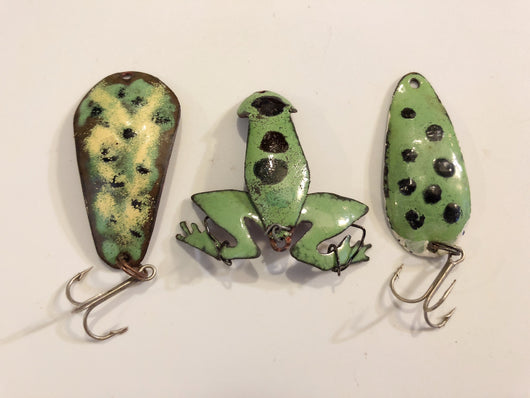 Folkart Frog Fishing Spoon Set