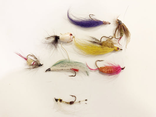 Lot of 8 Flies / Poppers