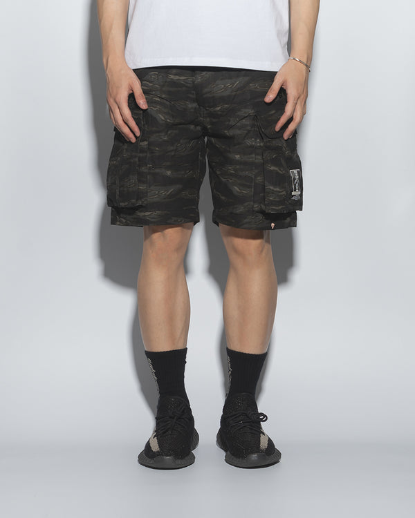 SG00T3 | DOUBLE FIRE ARMY SHORTS