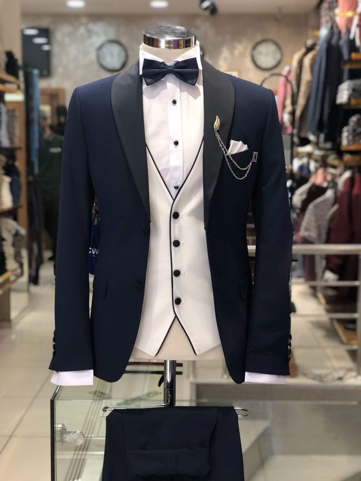 Slim-Fit Tuxedo Suit Navy-Blue