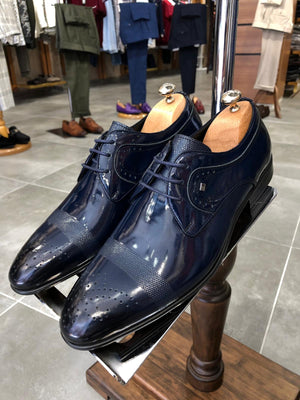 Laced Patent Navy-blue Leather Shoes