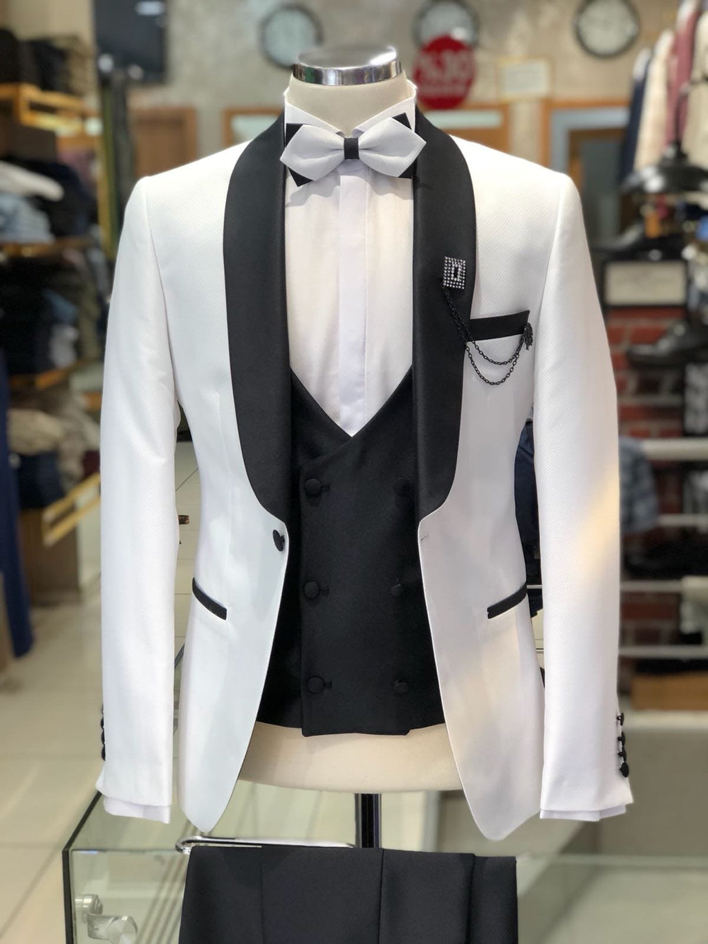 Slim-Fit Tuxedo Suit White