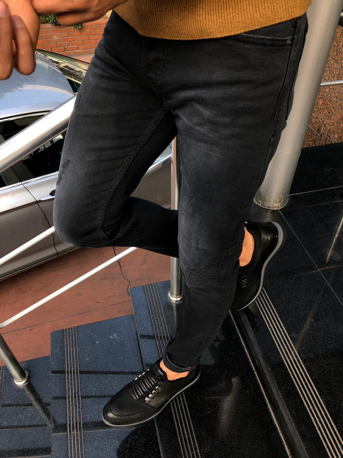 Gerry Black Slim Fit Ripped Jeans