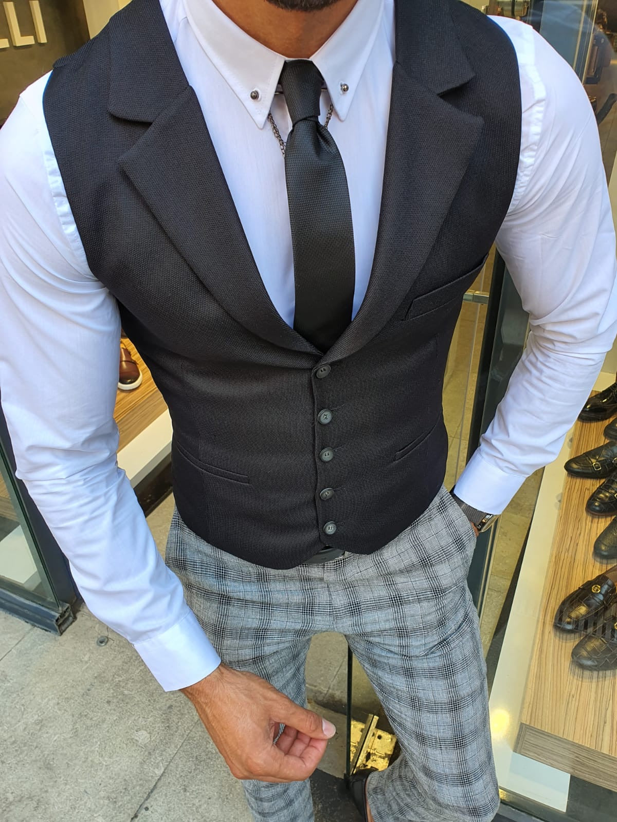 Bellingham Black Slim Fit Vest