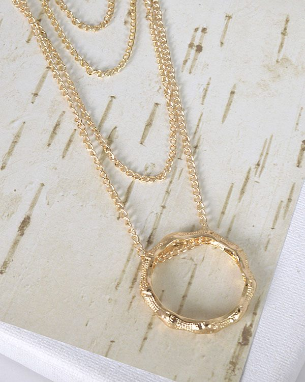 Metallic Pendant Layered Curb Chain Necklace