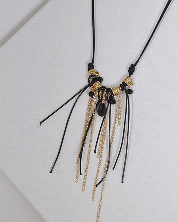Beads and Metal Embellished Necklace