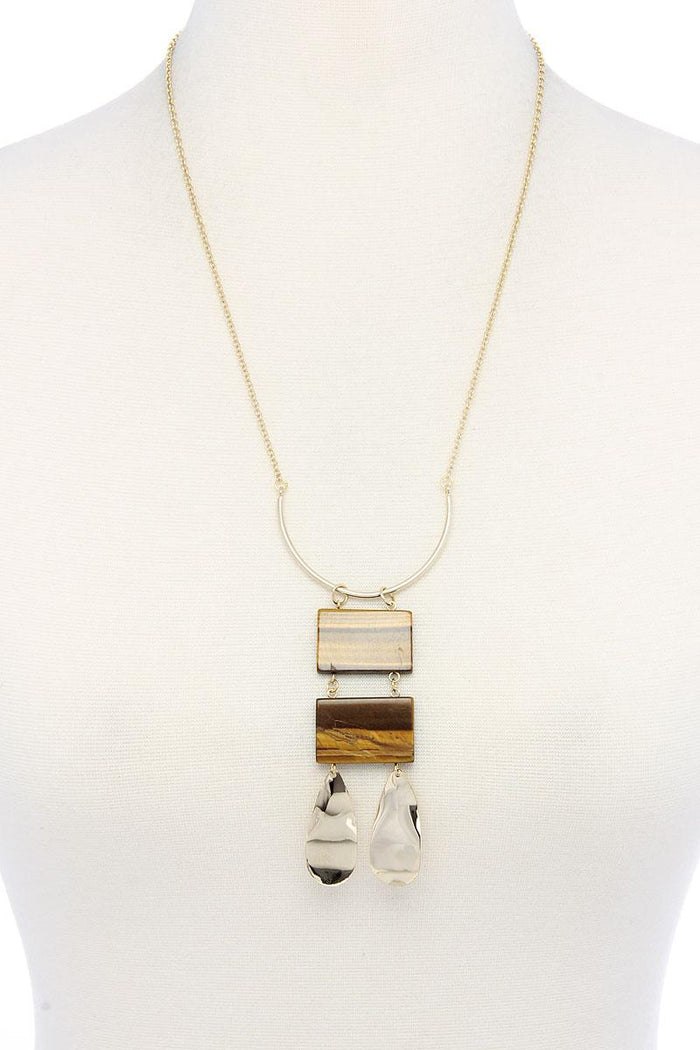 Modern Chic Pendant Necklace