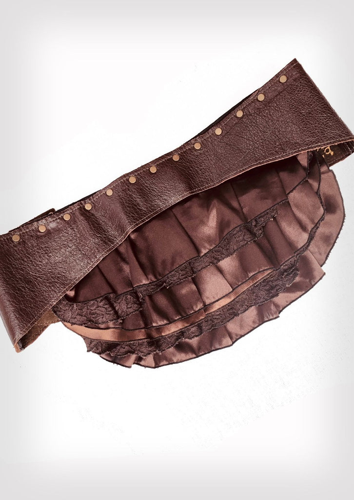 Frilly bum belt