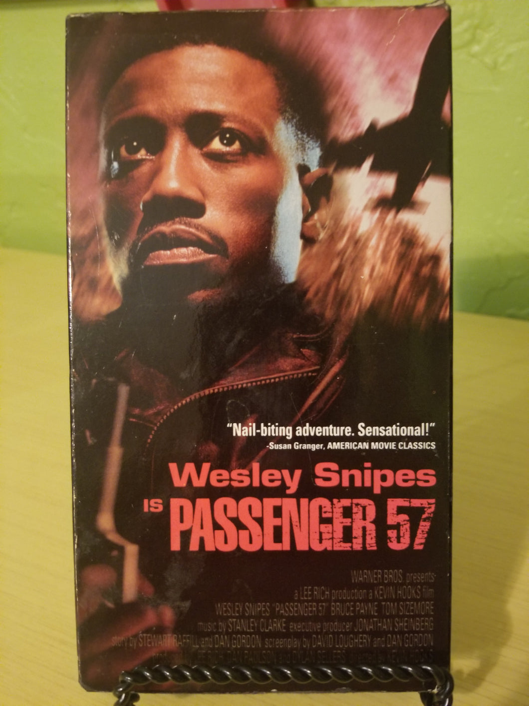 Passenger 57 (ALWAYS BET ON BLACK!!!) VHS