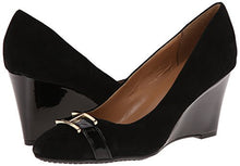 Tommy Hilfiger Women's Reda Wedge Pump Black Size 5M