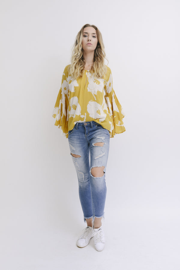 byTiMo | Blooms Top