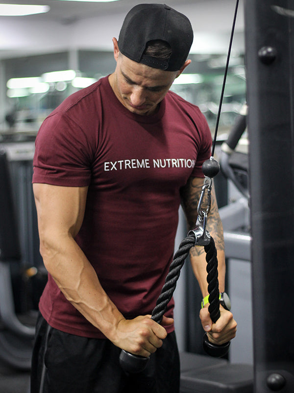 EXTREME STREET TEE BURGUNDY - ExtremeNutritionSA