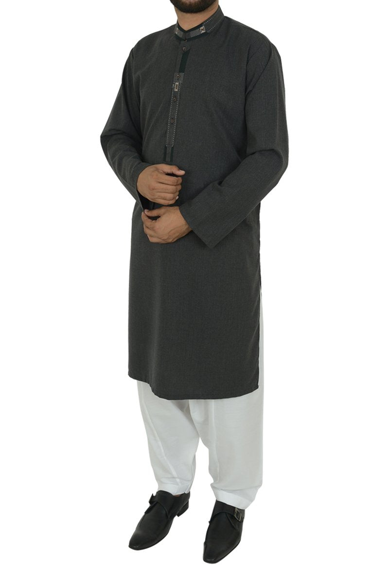 Image of Men Men Kurta in Black SKU: RK-39492-Small-Black