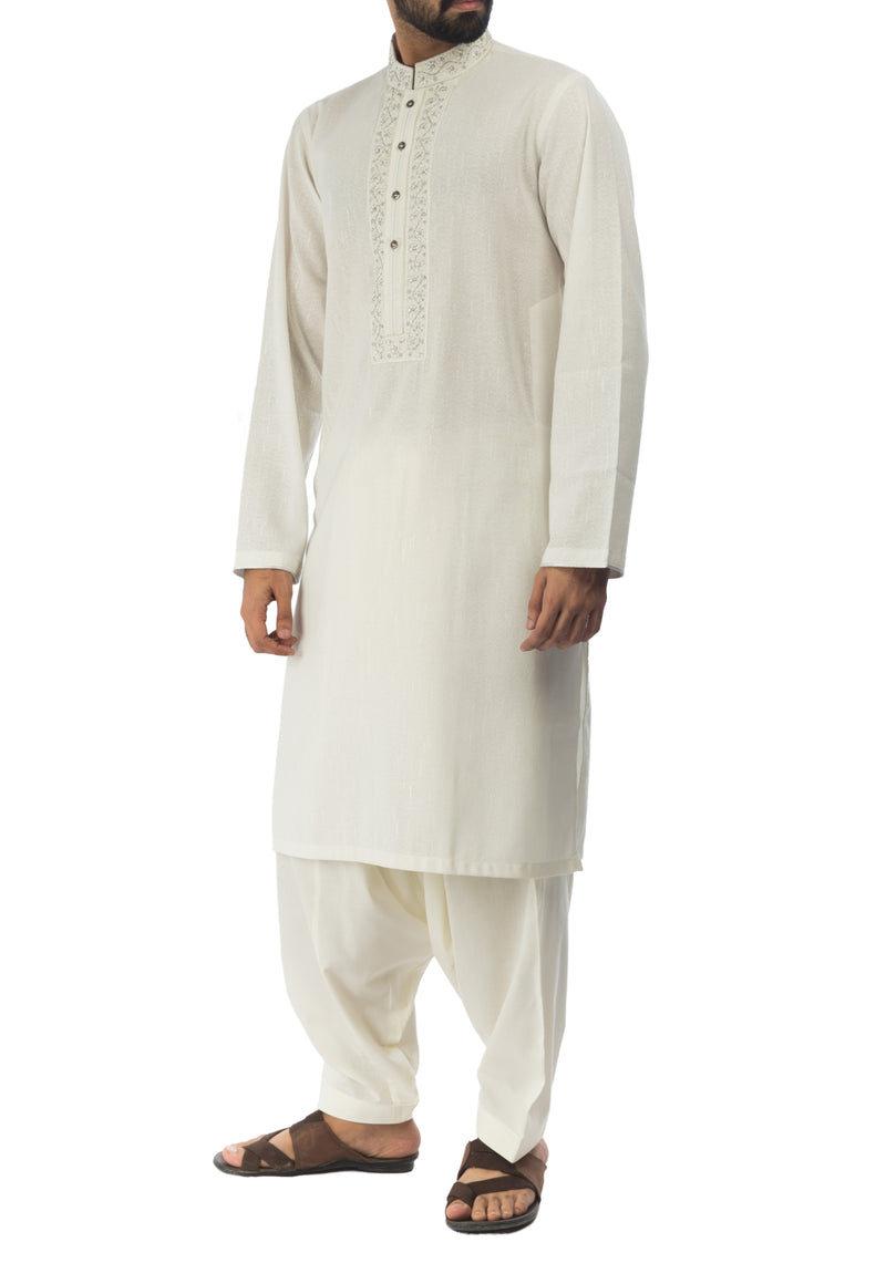 Image of Men Men Kurta Off White Kurta. RK-17131