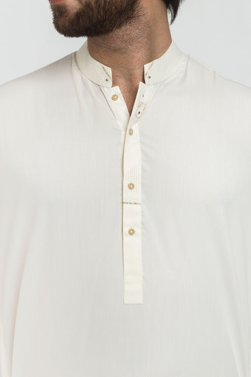 Image of   in Cream SKU: RQ-39214-Large-Cream
