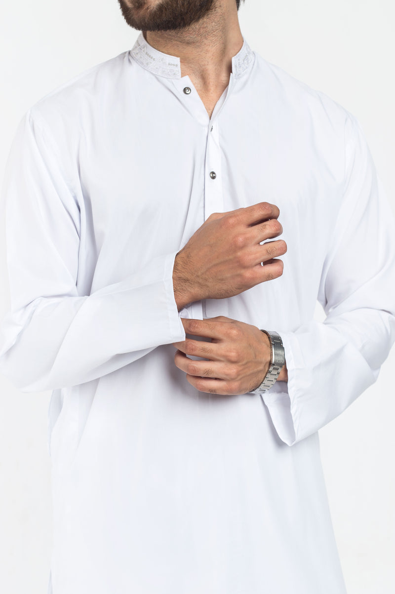 Image of Men Men Shalwar Qameez in White SKU: RQ-39306-Small-White