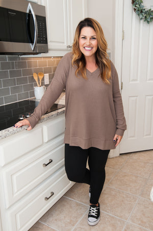 V-Neck Waffle Knit Top in Mocha