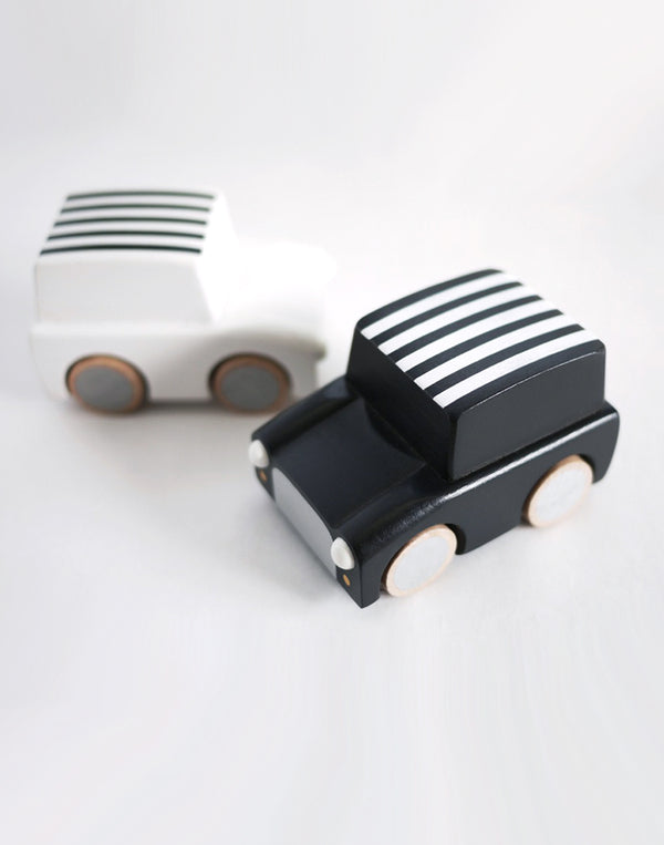KIKO+ - Kuruma - Classic Wind Up Car - Black Stripes