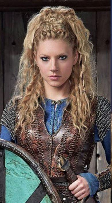 Lagertha loves the Vikings Quiz at Scandinordic.com