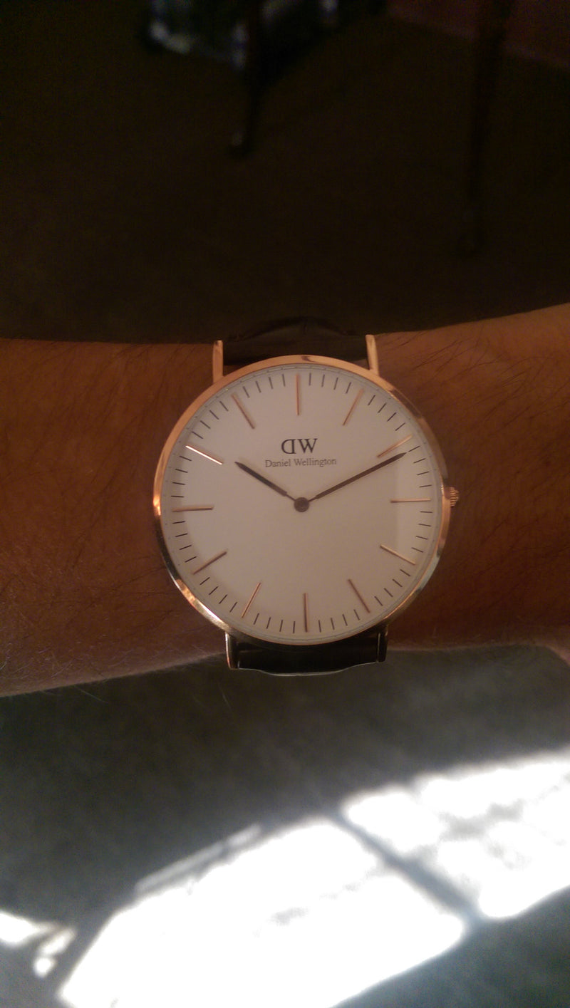 Minimalism 101: Hands-On Review of the Daniel Wellington 0111DW