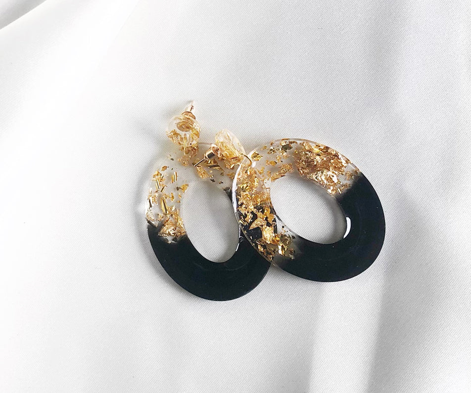 Ekuwa- Oval Earrings