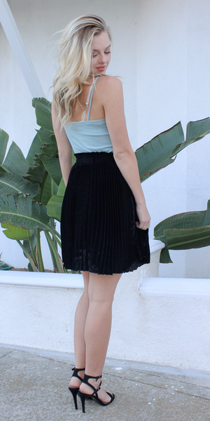 Black Swing Velvet Pleated Skirt