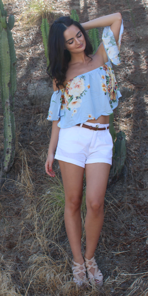 Belted White Linen Girlfriend Shorts