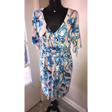 Plus Blue Floral Dress - Curvy Girl