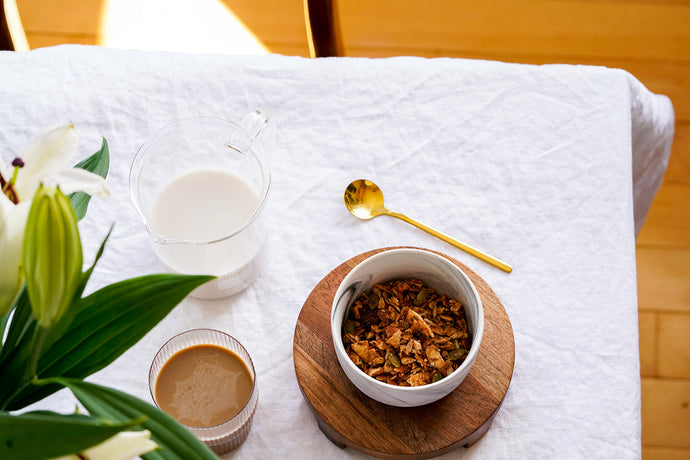 Oatmeal vs. Granola: A Healthy Breakfast Guide