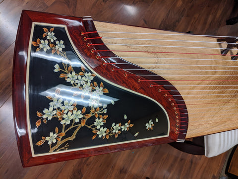"Scarlet Bird Zhuque Collection ""Snowy Plum Blossom"" Guzheng"