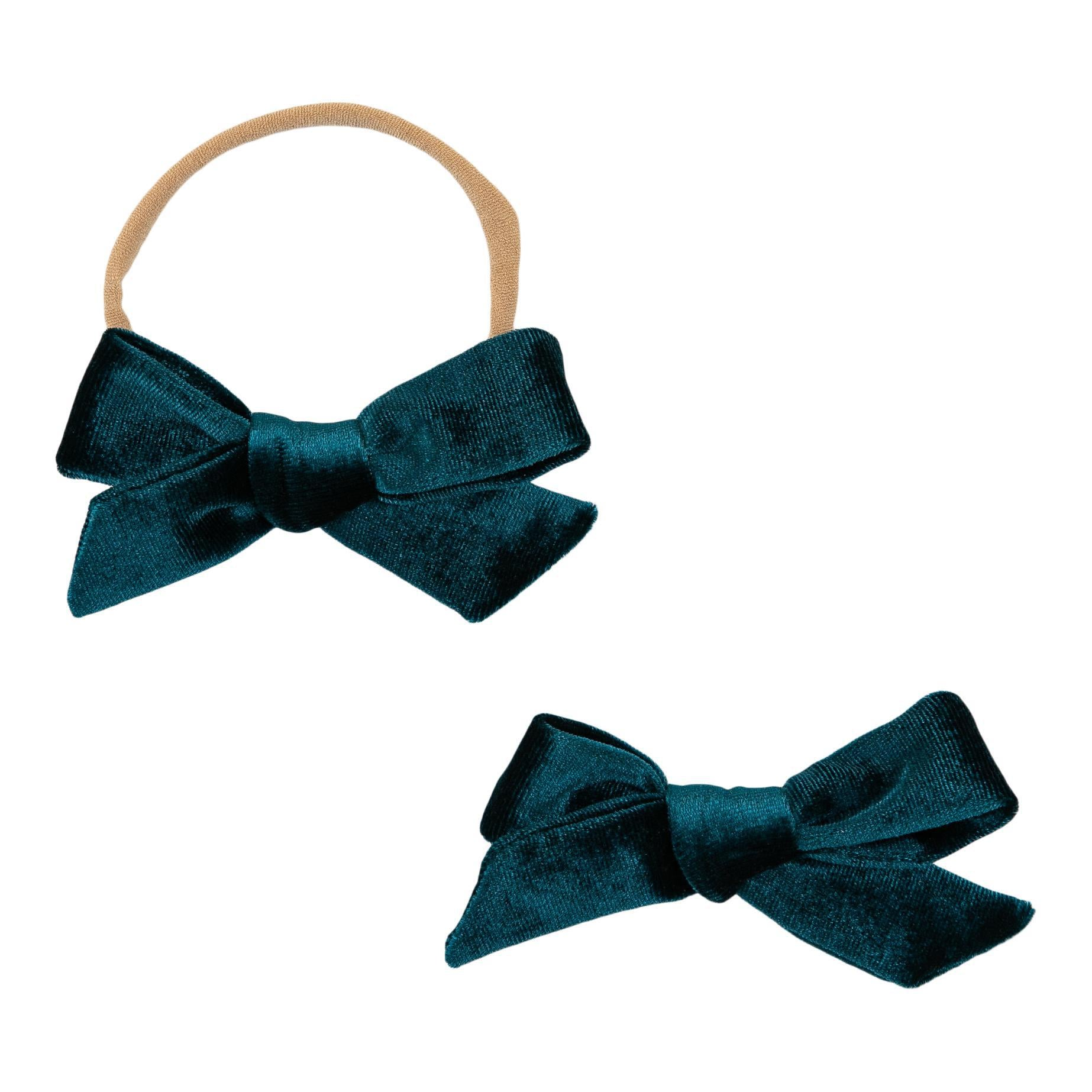 ChArLoTtE HaNd-TiEd BoW Pink Crushed Silk