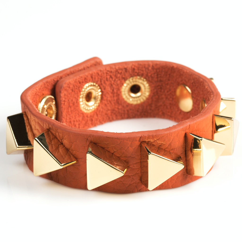 AVANTI LEATHER CUFF BRACELET (ASSORTED COLORS)