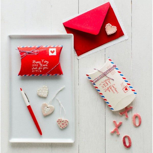DIY Love Pillowbox