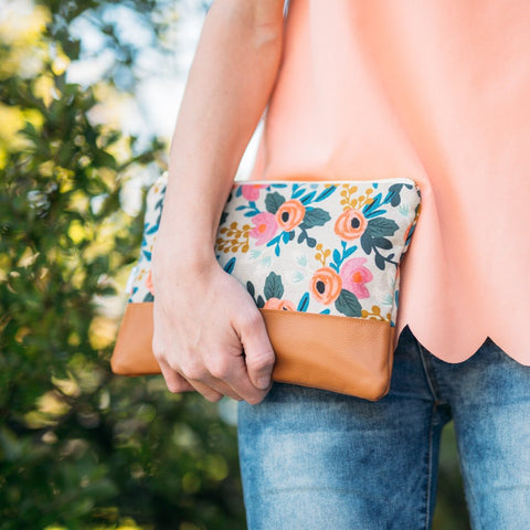 Signature Leather Clutch in Rosa Floral