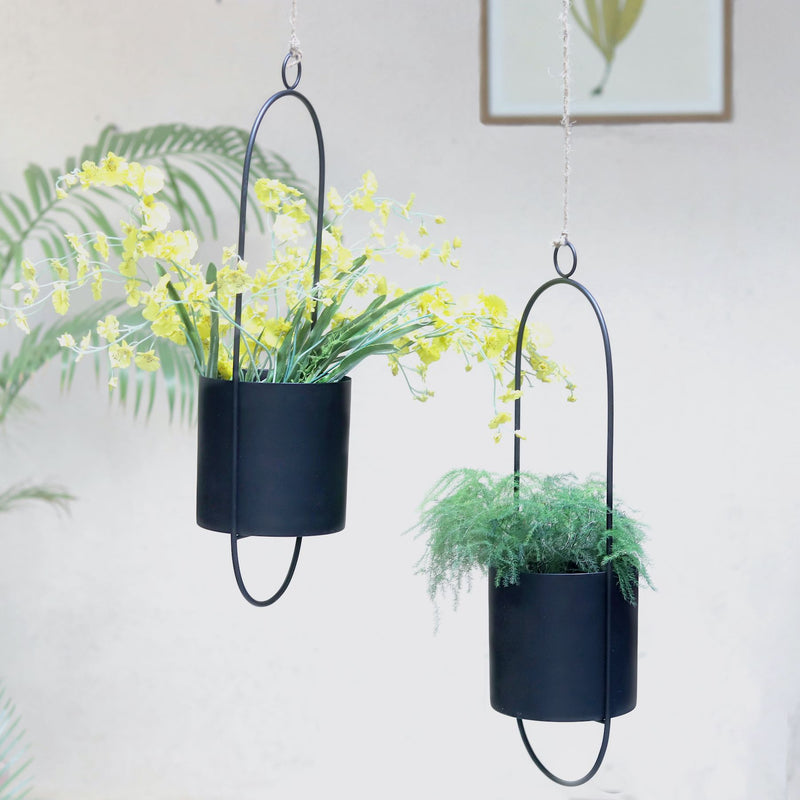 Black Hanging Metal Pot