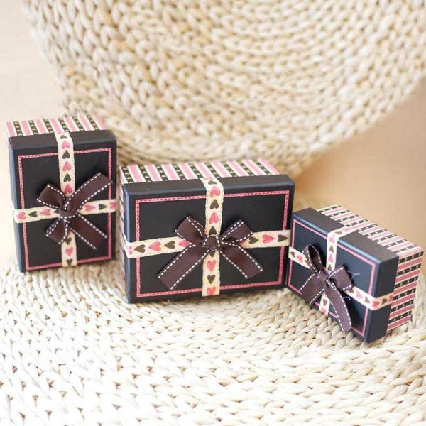 Hearts & Stripes Gift Box
