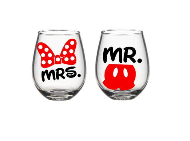 His And Her Wine Glass Set, Mickey And Minnie Wine Glasses