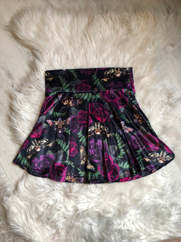 Black miniskirt with ruffle detail