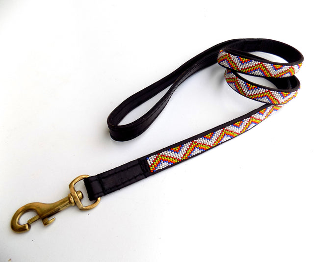 Dog Lead - zigzag maasai white