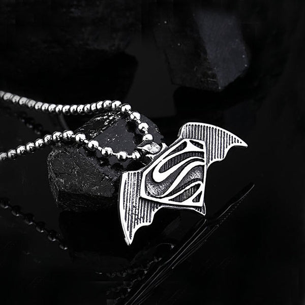 Batman vs. superman pendant