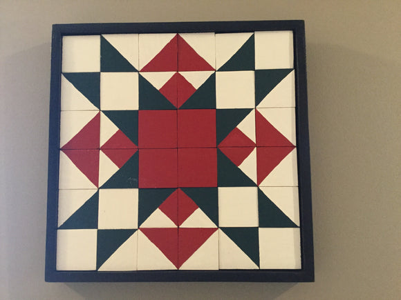 "Mini Barn Quilt - ""Missouri Star"" Quilt Block (Red/Green/White)"