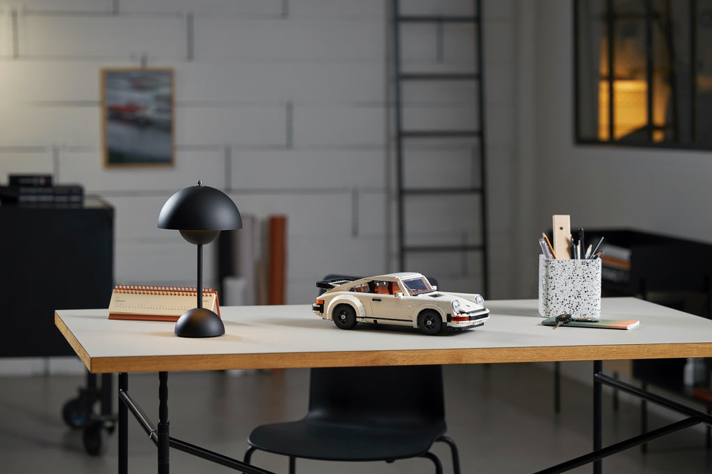 LEGO® PORSCHE 911 TURBO AND 911 TARGA (10295)